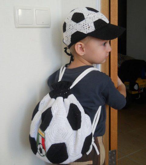 Рюкзак крючком в виде спортивного мяча