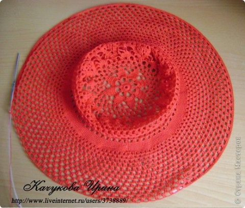 Ажурная шляпа крючком 10