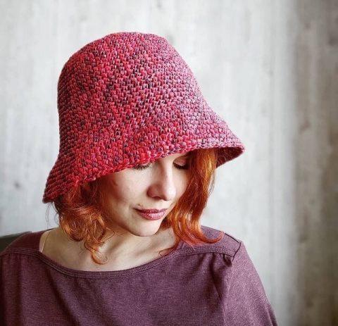 Шляпа из рафии крючком