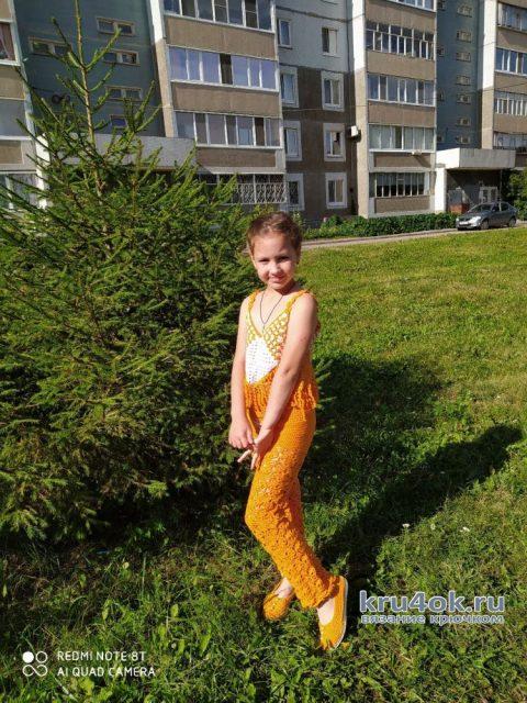 Комплект для девочки: топ, брюки и обувь крючком. Работа Галины