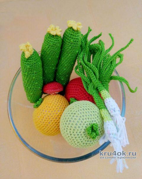 Вязанная крючком еда. Овощи для салата. Работа Светланы