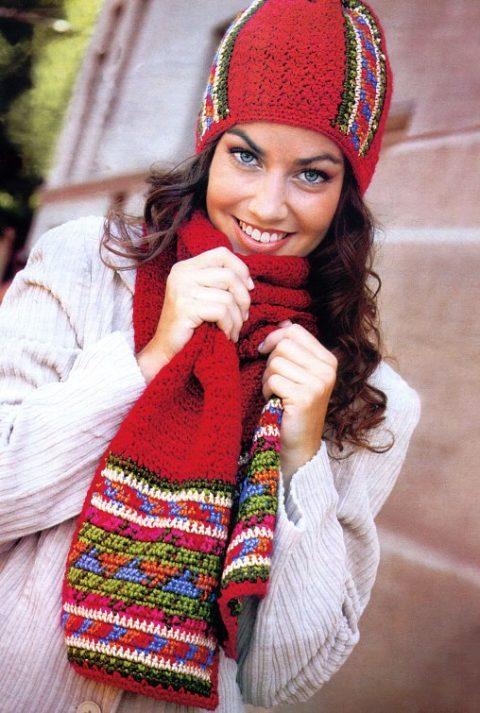 Яркий жаккардовый шарф крючком