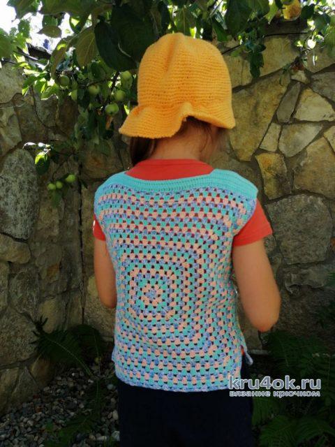 Яркий топ для девочки крючком на основе бабушкиного квадрата. Работа Светланы вязание и схемы вязания