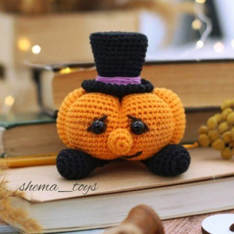 Тыквик в шляпе амигуруми, игрушка на Хэллоуин