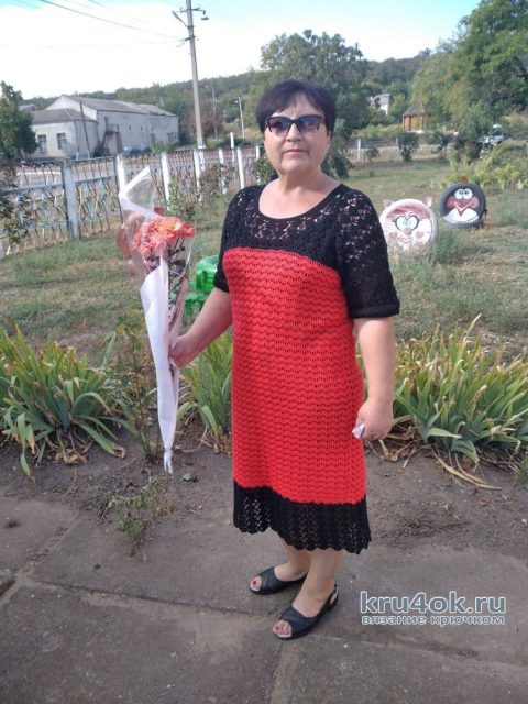 Женское платье крючком. Работа Валентины