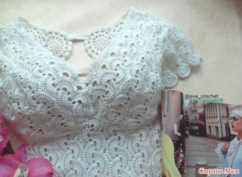 Маленькое белое платье крючком в технике ленточное кружево 2