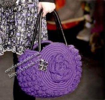 Фиолетовая круглая сумочка крючком
