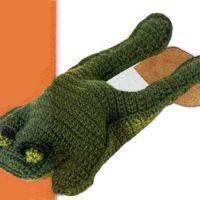 Лягушонок, связанный крючком