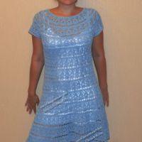 Голубое платье с круглой кокеткой
