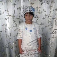 Белое платье, болеро и шапочка