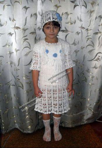 Белое платье, болеро и шапочка. Вязание крючком.