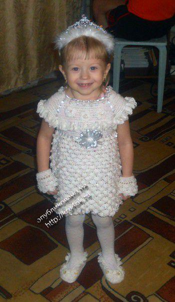 Платье – снежинка. Вязание крючком.