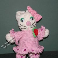 Вязаная игрушка Китти