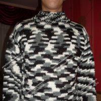 Мужской свитер из пряжи секционного крашения