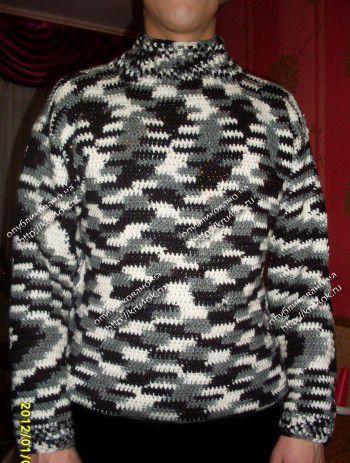 Мужской свитер из пряжи секционного крашения. Вязание крючком.