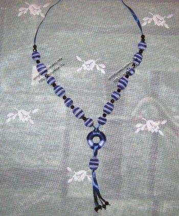Вязаные бусы – работа Виктории. Вязание крючком.
