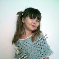 Вязаная накидка для девочки