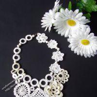 Вязаное ожерелье — работа Эльвиры Алеевой