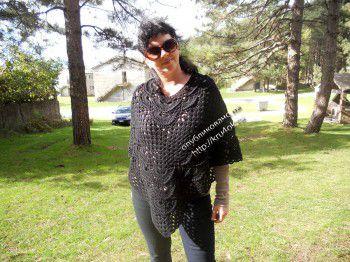 Вязание черного пончо для женщин