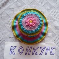 Разноцветная шапочка для девочки