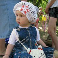 Летний беретик для девочки — работа Марины Коженовой