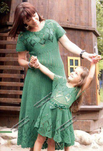 Зеленое платье для девочки.