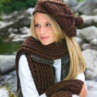 Берет с помпоном, теплый шарф и митенки