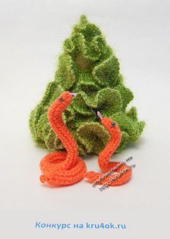 Новогодние змейки. Вязание крючком.