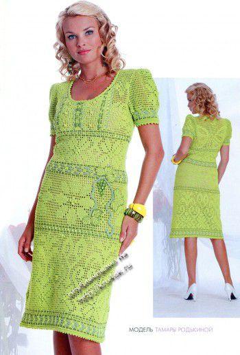 Вязаное крючком платье в филейной технике