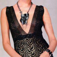 Черное вязаное платье с описанием