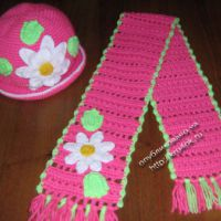 Вязаные крючком комплекты шапка и шарф