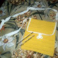 Желтая сумочка, связанная крючком