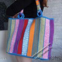 Вязаная сумочка из остатков пряжи