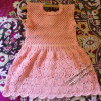 Детское вязаное платье — работа Екатерины