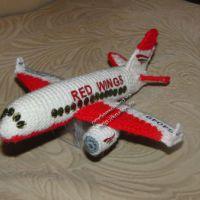 Вязаная игрушка самолет
