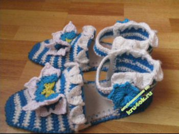 Тапочки- сандали – работы Александры. Вязание крючком.