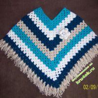 Вязаное пончо — работа Ксении
