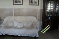 Вязаное покрывало и подушки