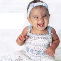 Вязаное платье для девочки и «тиара»