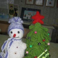Снеговик и елочка