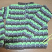 Вязаный крючком свитер  – работа Анастасии