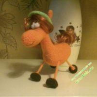 Вязаная крюком лошадка — работа Марины
