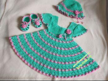 Платье, шапочка и пинетки для девочки. Вязание крючком.