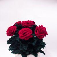 Цветы в горшочке — работы Ольги