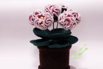Цветы в горшочке вязаные крючком – работа Ольги. Вязание крючком.