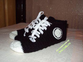 Тапочки - носочки кеды связаны крючком
