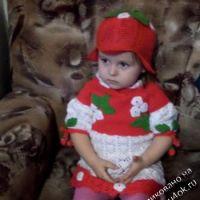 Детское платье и шапочка связанные крючком
