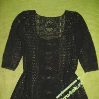 Черная туника, связанная крючком. Филейное вязание
