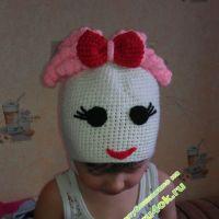 Вязаная шапочка — девочка. Работа Лилии