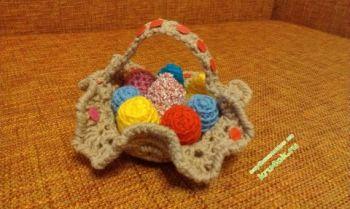 Корзиночка с яйцами к Пасхе. Вязание крючком.